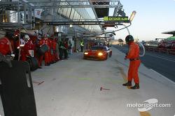 Pitstop for #65 Prodrive Racing Ferrari 550 Maranello: Colin McRae, Rickard Rydell, Darren Turner
