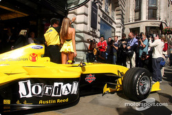 Michelle Clack, Eddie Jordan Jordan teamboss, Leah Newman announce the drivers and running order for Formula One comes to Regent Street