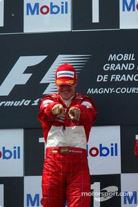 F1 Fotos - Podio: ganador de la carrera Michael Schumacher