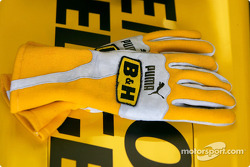 Nick Heidfeld's gloves