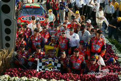 NASCAR-CUP: Victory lane: race winner Jeff Gordon celebrates with his team