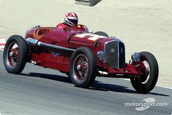 #14 1932 Chrysler Rigante, Camilo Steuer