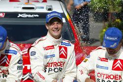 Podium: champagne for Sébastien Loeb and Carlos Sainz