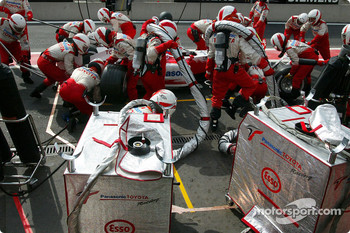 Pitstop for Ricardo Zonta