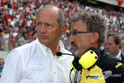 Ron Dennis and Eddie Jordan on the starting grid