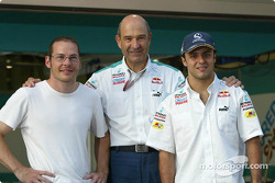 Peter Sauber with his 2005 drivers Jacques Villeneuve and Felipe Massa