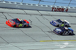 Jeff Gordon leads Michael Waltrip and Rusty Wallace
