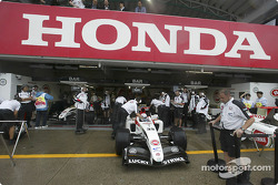 BAR-Honda garage area