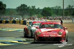 #71 New Hardare Racing Porsche 911 GT2: Bill Farmer, Greg Murphy, Robert Nearn