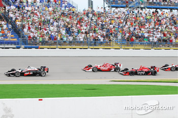 The start of the Iowa Corn Indy 250