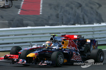 Start: Sebastian Vettel, Red Bull Racing and Lewis Hamilton, McLaren Mercedes