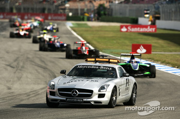 The safety car leads Robert Wickens, James Jakes and Josef Newgarden