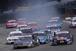 Start, Bruno Spengler, Team HWA AMG Mercedes C-Klasse leads