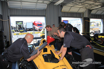 Sarah Fisher Racing team members at work