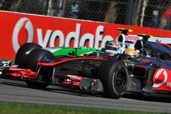 Vitantonio Liuzzi, Force India F1 Team and Lewis Hamilton, McLaren Mercedes
