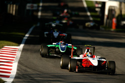 Esteban Gutierrez leads Robert Wickens, Nico Muller and the field at the start of the race