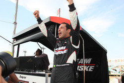 Pole winner Helio Castroneves, Team Penske celebrates