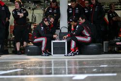 Timo Glock, Virgin Racing and Lucas di Grassi, Virgin Racing playing poke