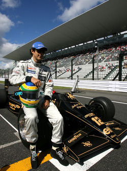 Bruno Senna, Hispania Racing F1 Team drives the 1986 Lotus Renault Turbo of Ayrton Senna