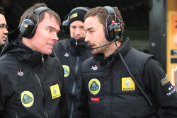 Lotus Renault GP engineers