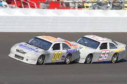David Reutimann, Michael Waltrip Racing Toyota and Martin Truex Jr., Michael Waltrip Racing Toyota