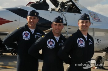 USAF Thunderbirds: Three pilots shown with Major Jelinke on left