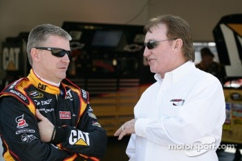 Jeff Burton, Richard Childress Racing Chevrolet and Richard Childress