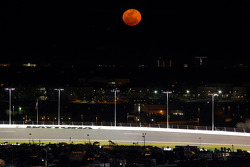 A spectacular full red moon before the race