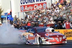 Greg Anderson doing a burnout in his Summit Racing Equipment Pontiac GXP