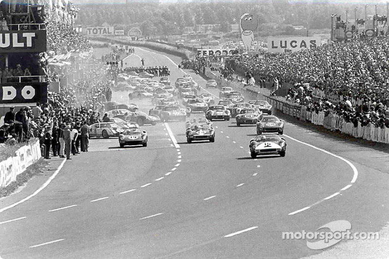 At the start, Pedro Rodríguez taking the lead in a Ferrari from NART