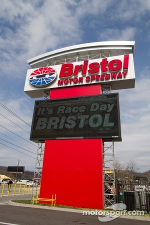 Bristol Motor Speedway ambiance