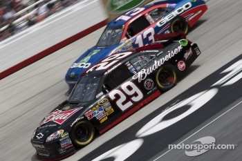 Kevin Harvick, Richard Childress Racing Chevrolet and Casey Mears, Germain Racing Toyota