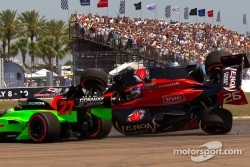 Start: Mike Conway, Andretti Autosport and Marco Andretti, Andretti Autosport crash
