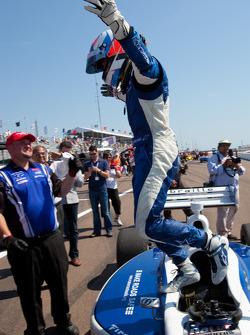 Race winner Josef Newgarden, Sam Schmidt Motorsports celebrates