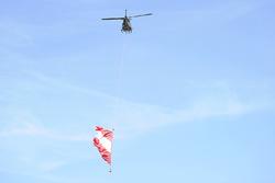 Helicopter mit österreichischer Flagge