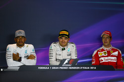 Lewis Hamilton, Mercedes AMG F1 W07, Nico Rosberg, Mercedes AMG Petronas F1 W07 and Sebastian Vettel, Scuderia Ferrari in the Press conference