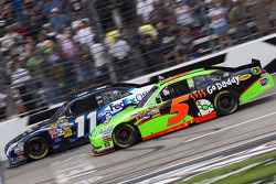 Denny Hamlin, Joe Gibbs Racing Toyota and Mark Martin, Hendrick Motorsports Chevrolet