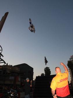 Thunder on Pine, stunt show