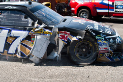 Matt Kenseth, Roush Fenway Racing Ford with damage
