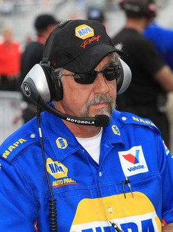 NAPA Autoparts Crew Chief John Medlen