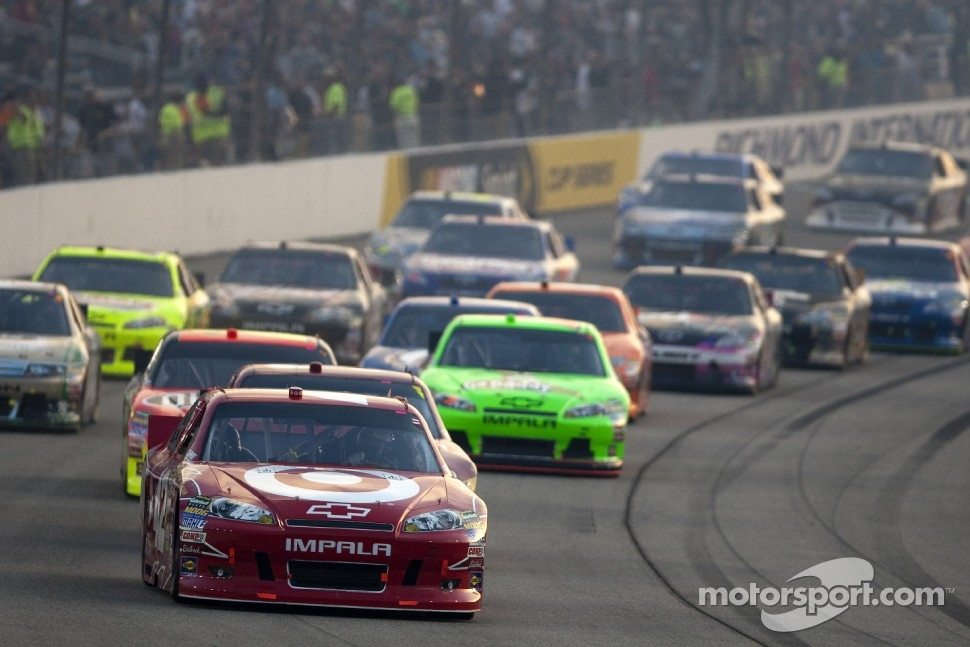 Start: Juan Pablo Montoya leads the field