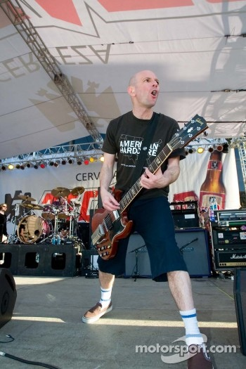 Bad Religion guitarist Greg Hetson