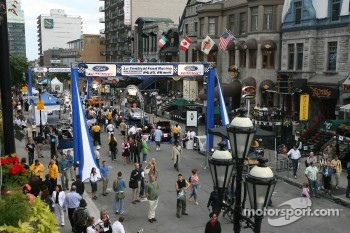 Ford Racing Festival on Crescent street: ambiance