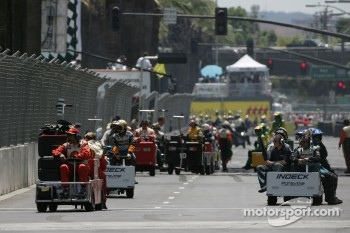 Teams clear the grid