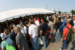 A large crowd at the autograph sesion