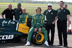 Mike Gascoyne, Team Lotus, Chief Technical Officer, Tony Fernandes, Team Lotus, Team Principal, Heikki Kovalainen, Team Lotus, Jarno Trulli, Team Lotus, Ansar Ali, Caterham Cars