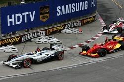 Start: Oriol Servia leads Sébastien Bourdais