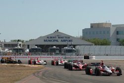 Dario Franchitti leads Scott Dixon