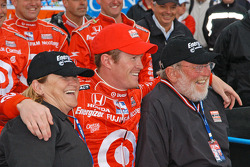 Scott Dixon and his parents