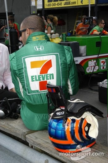 Tony Kanaan waits his turn to qualify